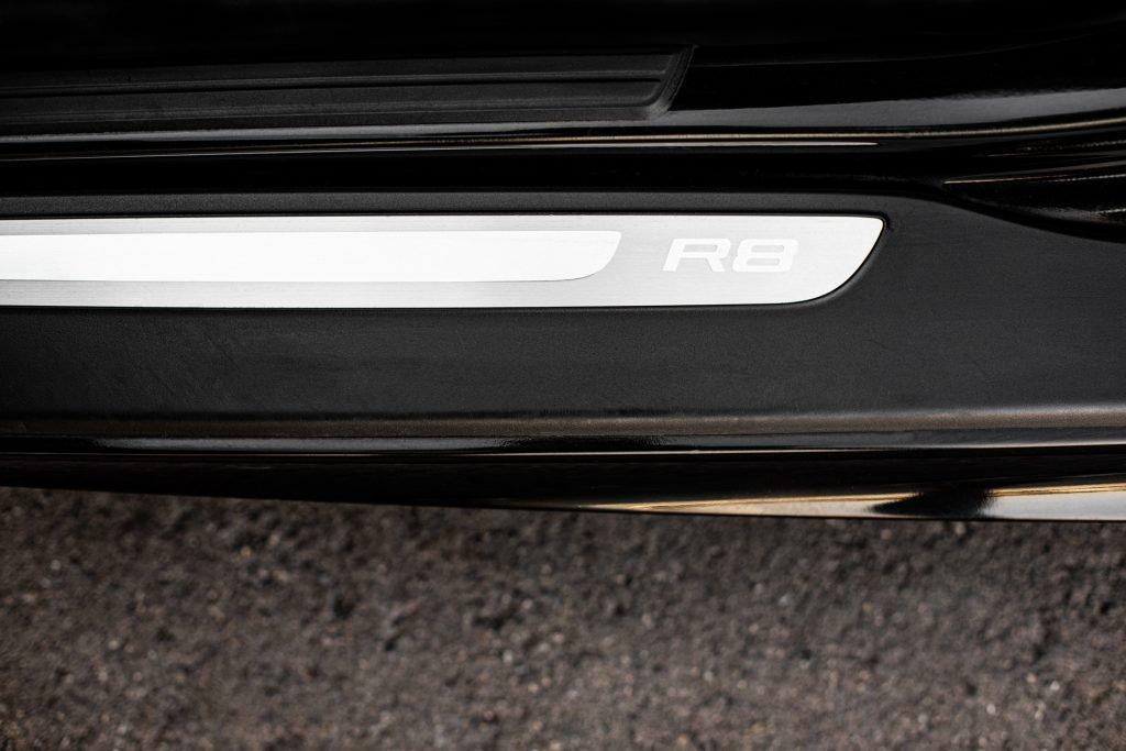 Audi-R8-V10-06