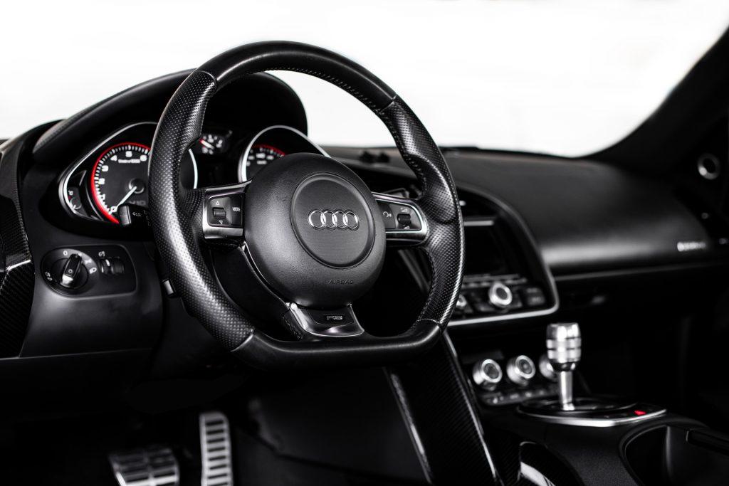 Audi-R8-V10-08