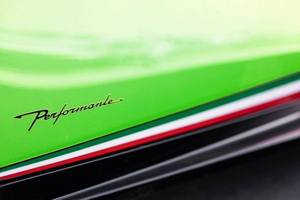 Lamborghini-Huracan-Performante-02