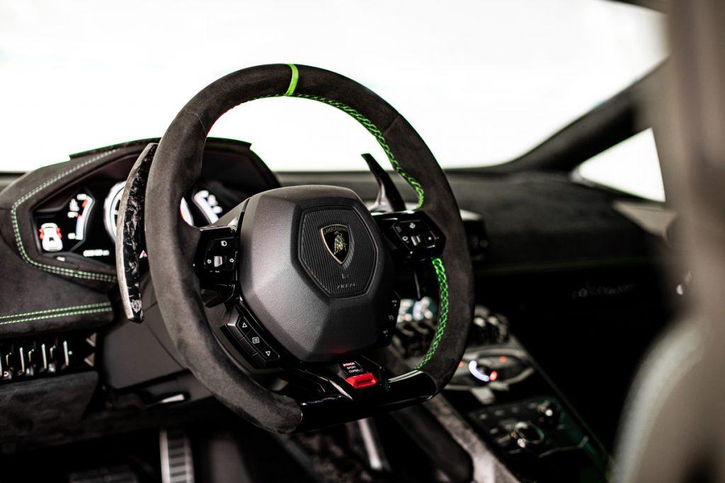 Lamborghini-Huracan-Performante-05