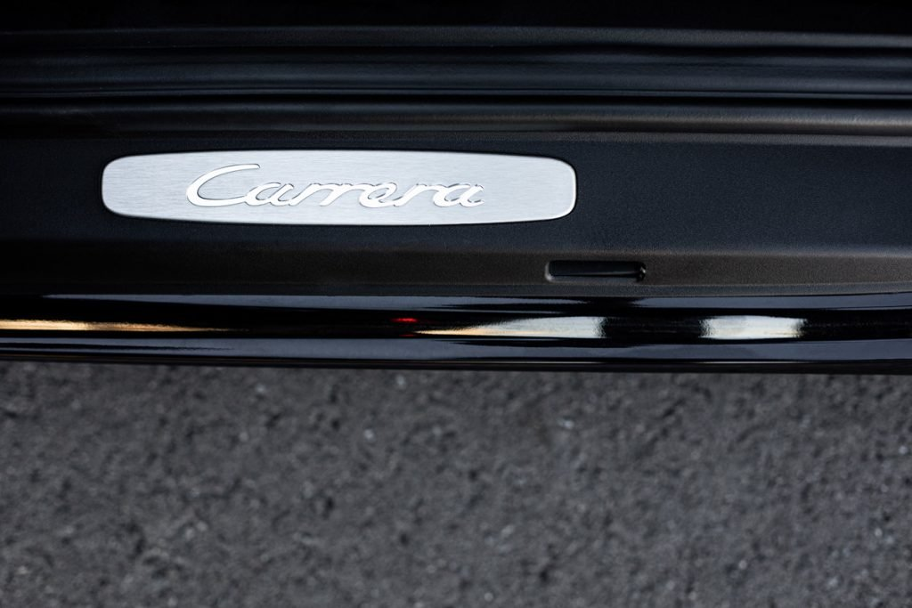 Porsche-911-Carrera-Coupe-09