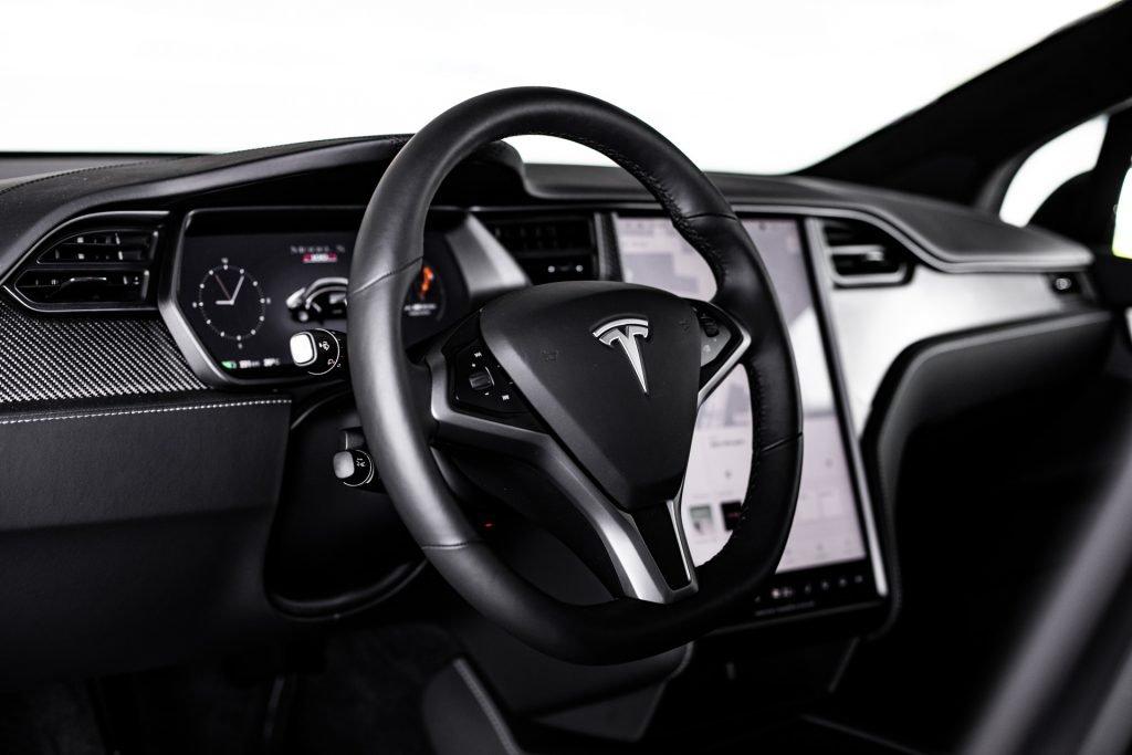 Tesla-Model-X-08